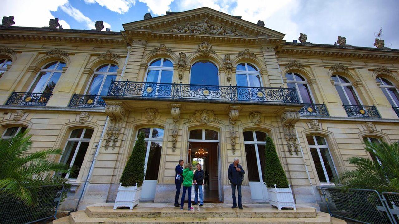 Une première manifestation s'était tenue à Rambouillet sur le thème du « soutien aux communes ».
