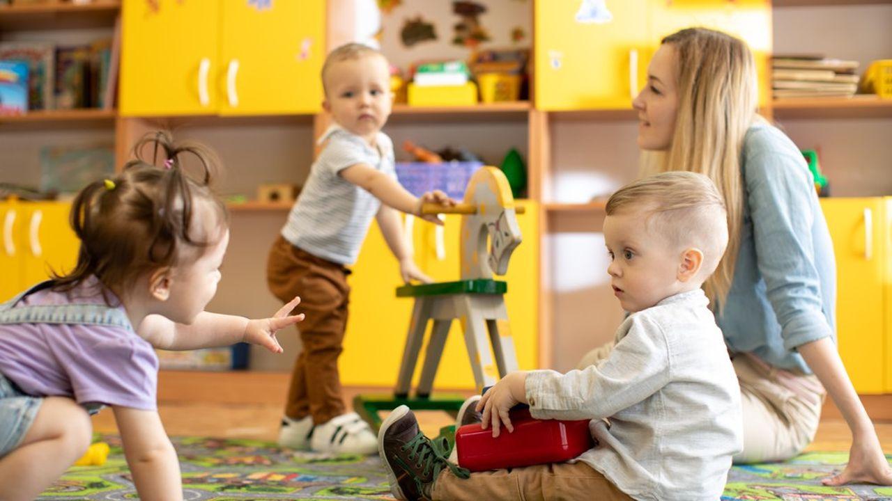 Pourquoi les assistantes maternelles sont en colère  Les Echos