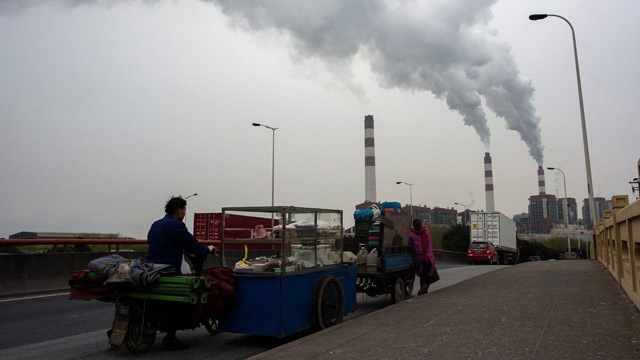 La production d'énergie fossile reste orientée à la hausse pour les prochaines décennies. Envers et contre les engagements pris par les Etats pour diminuer leurs émissions de CO2.