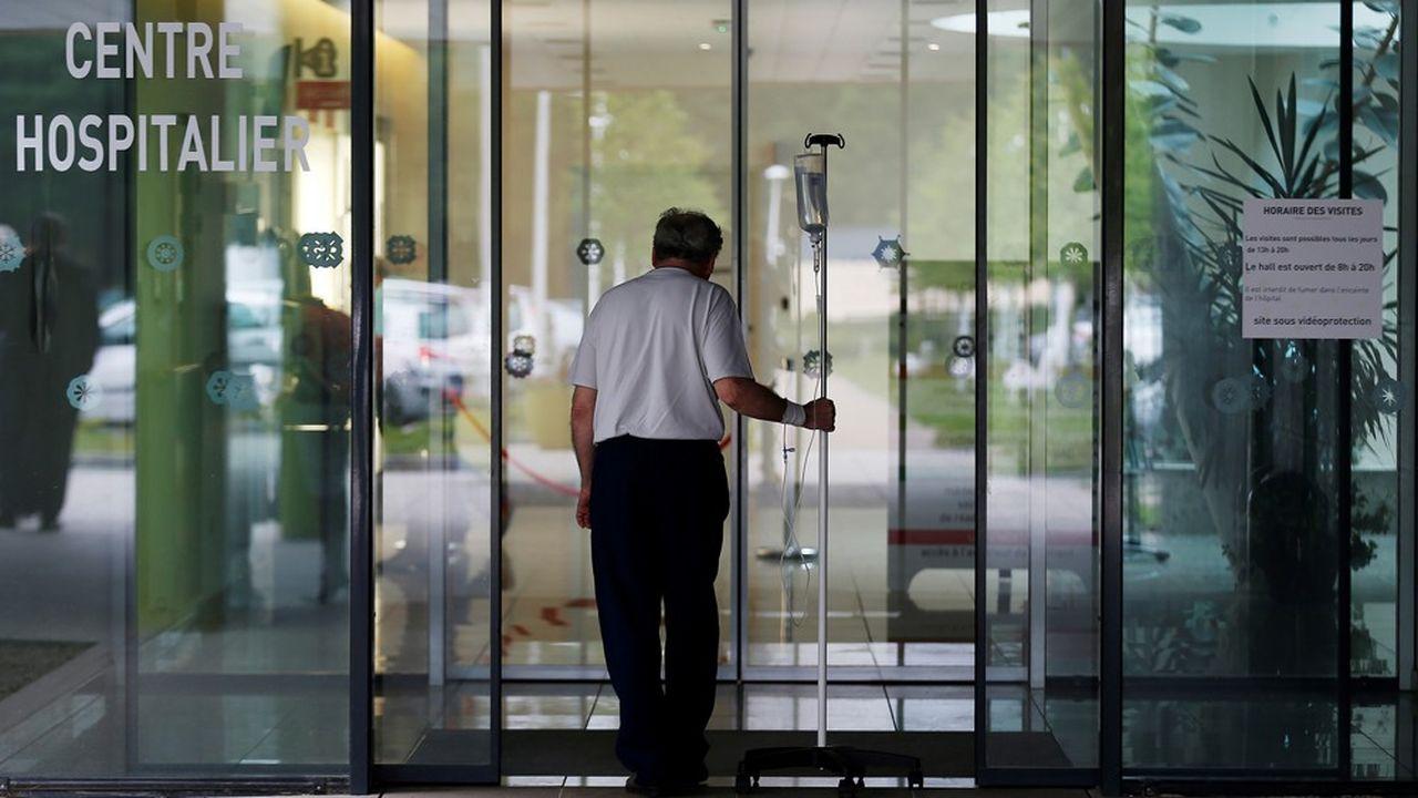 La dette hospitalière coûte 850millions d'euros par an aux établissements publics en frais financiers.