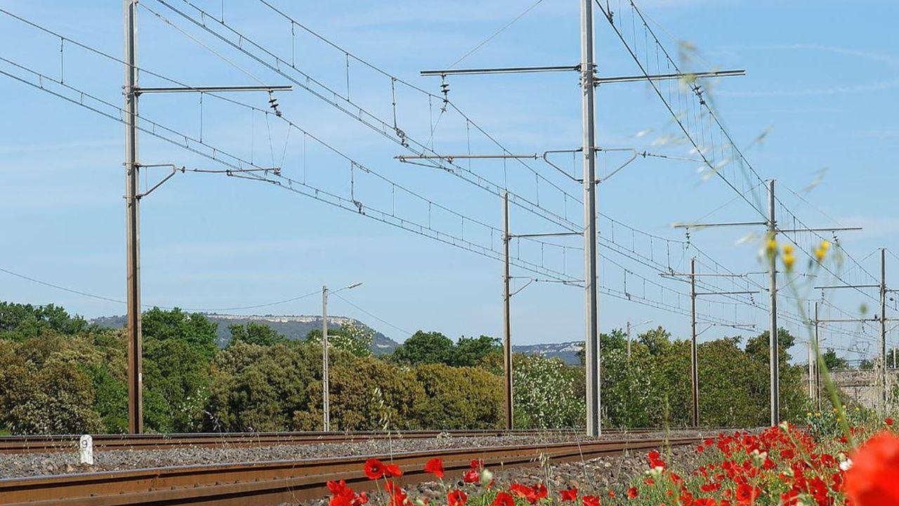 Les trains de voyageurs pourraient circuler à nouveau le long de la rive droite du Rhône