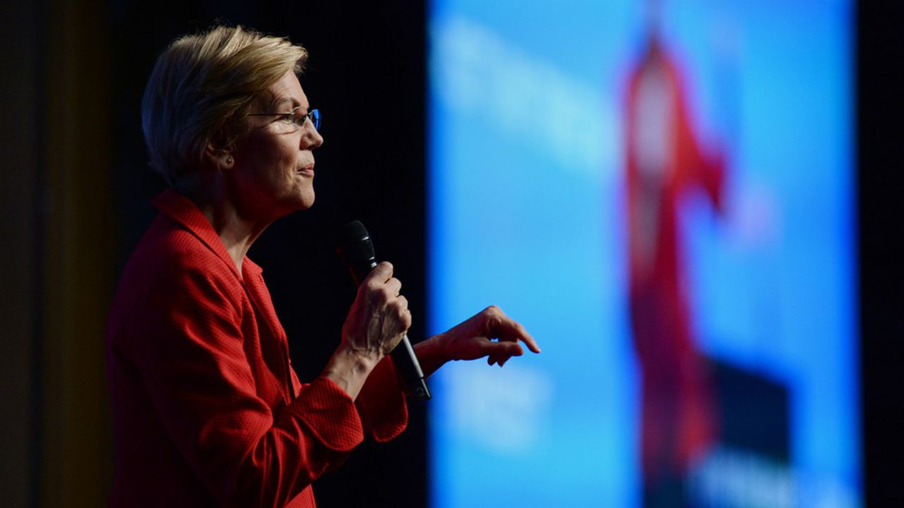 Democratic presidential hopeful Massachusetts Senator Elizabeth Warren speaks on stage at 'First in the West' event in Las Vegas, Nevada on November 17, 2019. (Photo by Bridget BENNETT / 30240120A / AFP)