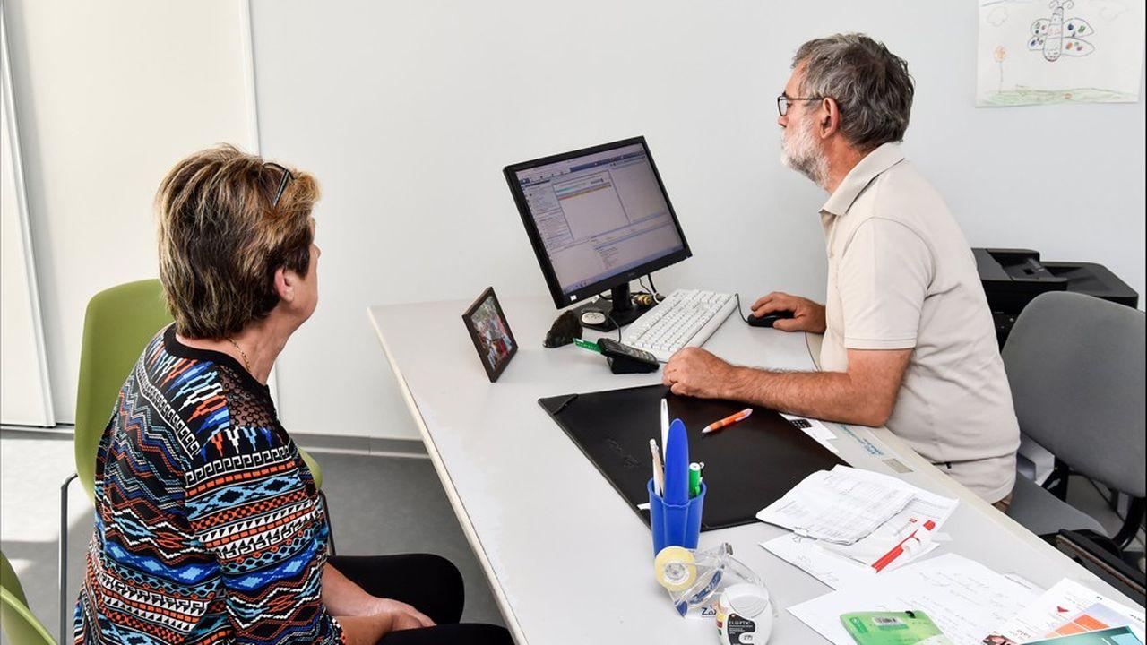 Ce dispositif unique en France permet aux femmes vulnérables de rencontrer gratuitement et sans rendez-vous une équipe de professionnels