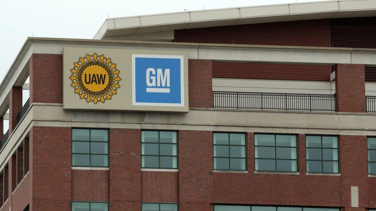 Selon General Motors, les négociations entre les constructeurs et le syndicat UAW auraient été biaisées durant six ans.
