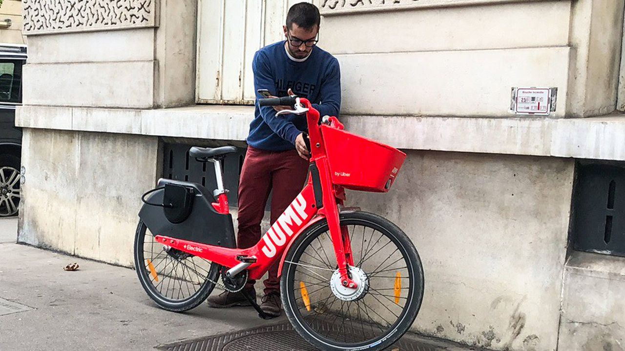 Veolia va recycler les pièces des vélos et trottinettes Jump
