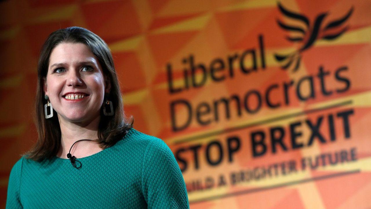 D'après YouGov, 21% des Britanniques qui connaissaient en juillet la leader Lib-Dem Jo Swinson avaient d'elle une opinion favorable et 29% défavorable. Quatre mois plus tard, ils sont respectivement un quart et une moitié.
