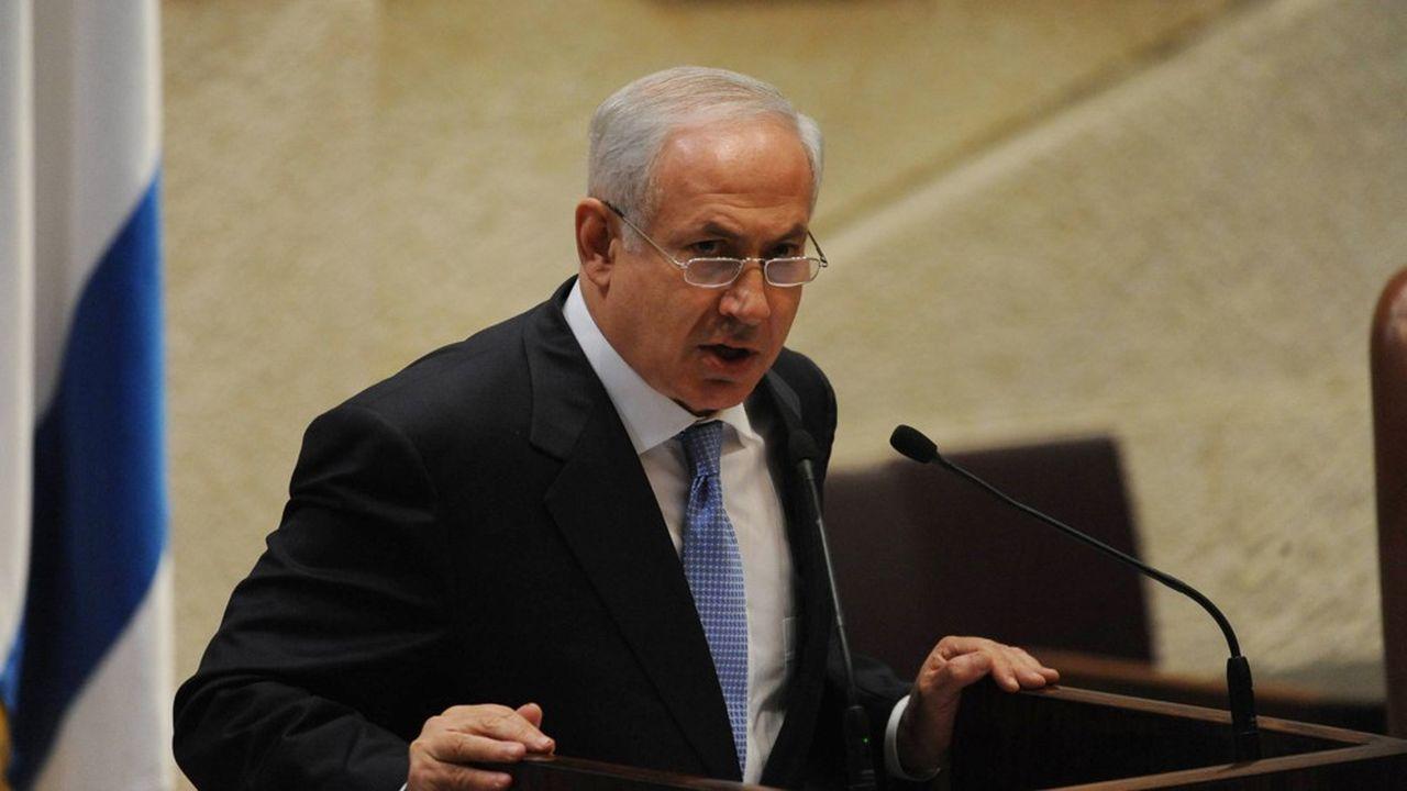 Coup de tonnerre politique à Jérusalem : le procureur général de l'Etat, Avichaï Mandelblit, a annoncé, jeudi, la mise en examen du Premier ministre sortant pour fraude, abus de confiance et corruption.
