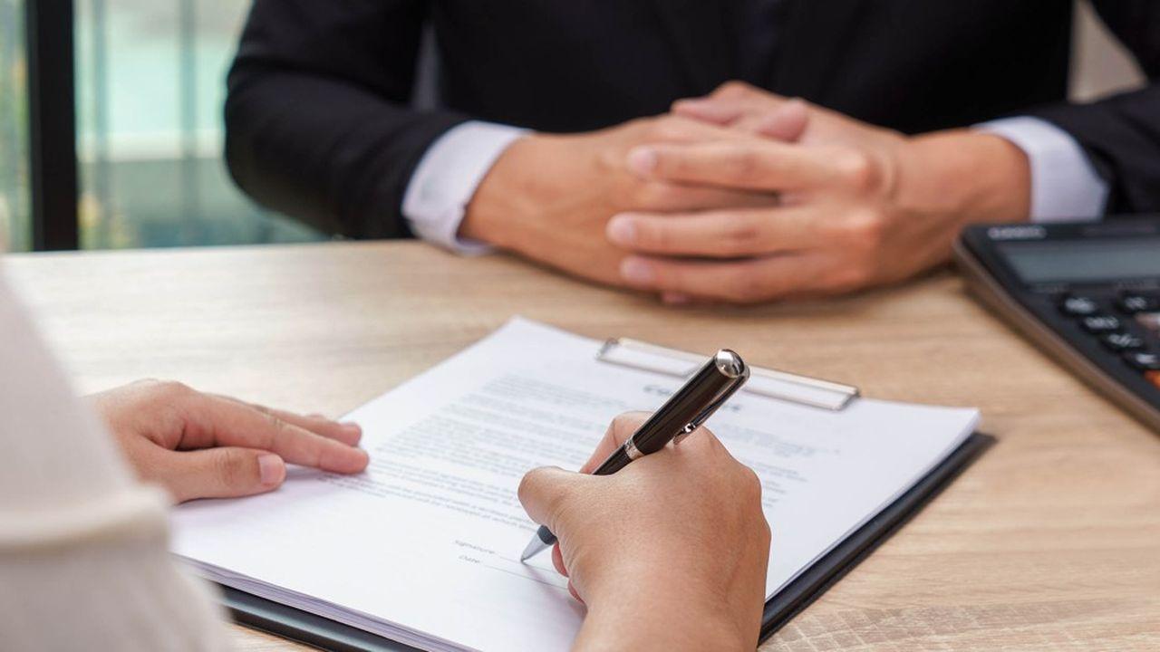 Depuis la loi Hamon (2014), les particuliers peuvent résilier leur assurance emprunteur pour passer à la concurrence pendant la première année de contrat.