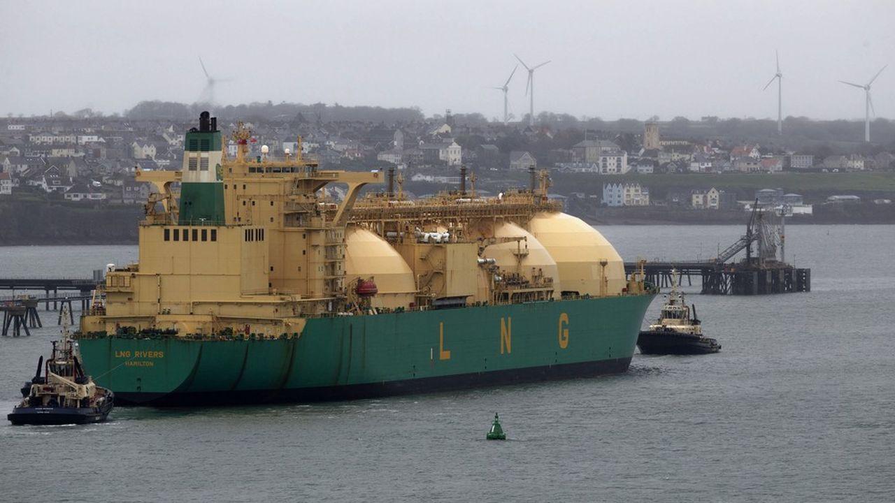 Le Royaume-Uni (ici un navire méthanier arrivant au Pays de Galles) a importé près de 10millions de tonnes de gaz naturel liquéfié au cours des dix premiers mois de l'année, contre moins de 3millions pour la même période de 2018.