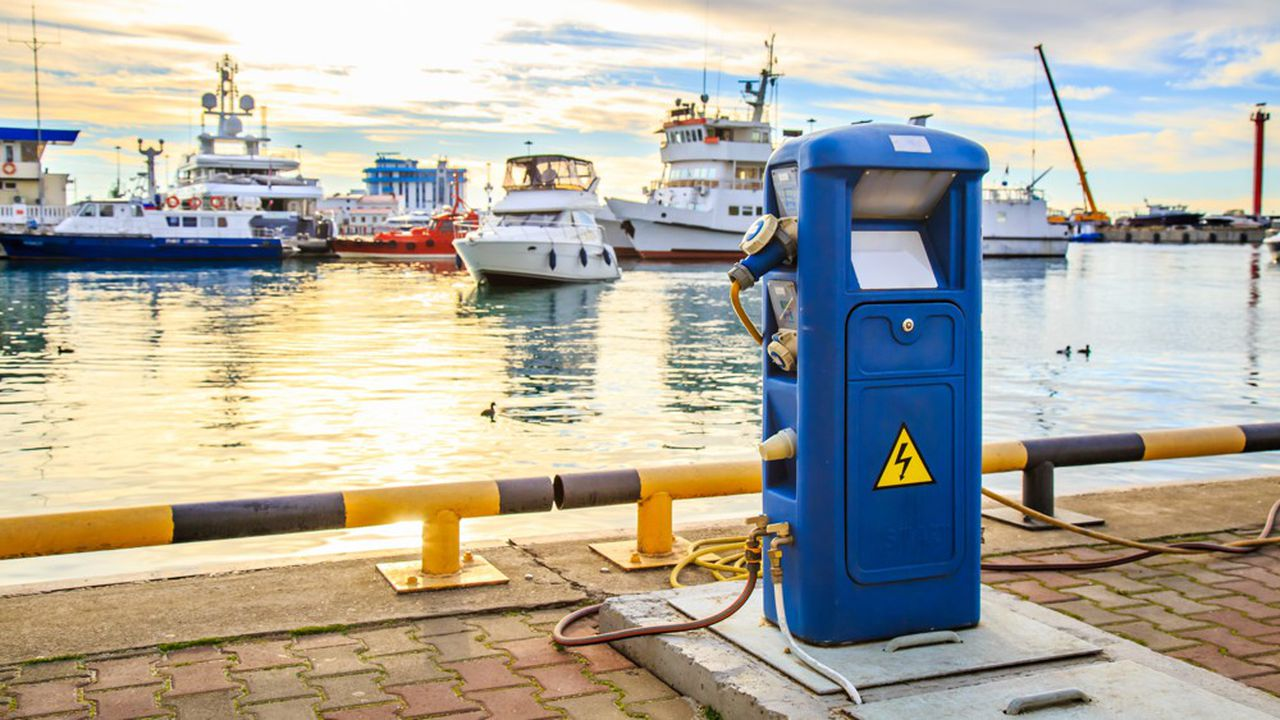 La filière milite pour qu'au moins 1% des postes à quai soient réservés à des navires électriques. Ce qui représenterait de l'ordre de 2.000places.