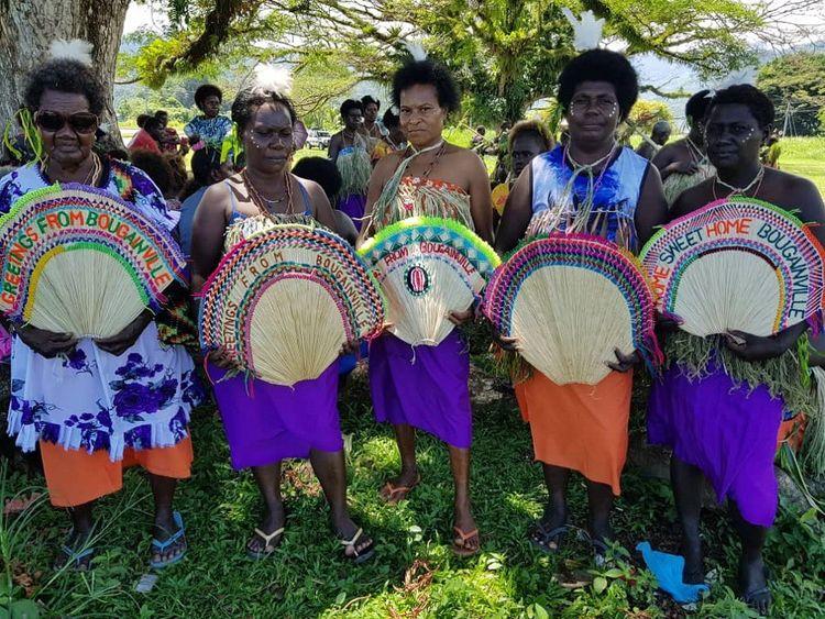 Des habitants lors d'une cérémonie de réconciliation début novembre à Bougainville.