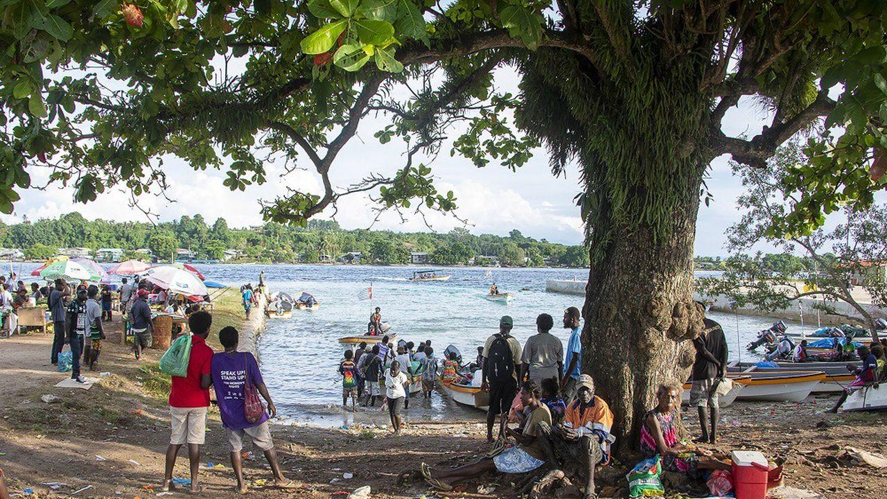 Les 207.000 électeurs de Bougainville doivent choisir entre l'indépendance de leur territoire et une plus grande autonomie.