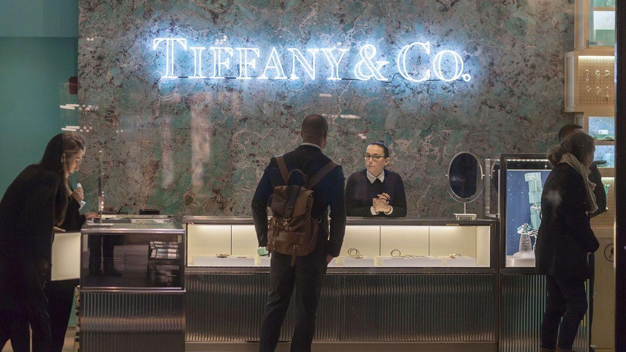 Tiffany détient plus de 320 boutiques dans le monde.