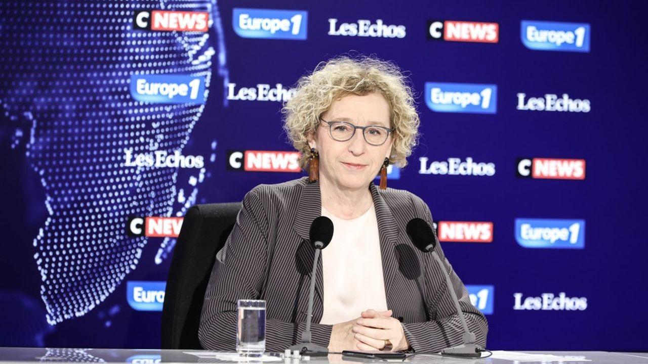 Muriel Pénicaud a annoncé au micro du «Grand Rendez-vous» Europe 1 - CNews - «Les Echos» vouloir permettre aux victimes de violences conjugales de libérer leur épargne salariale.