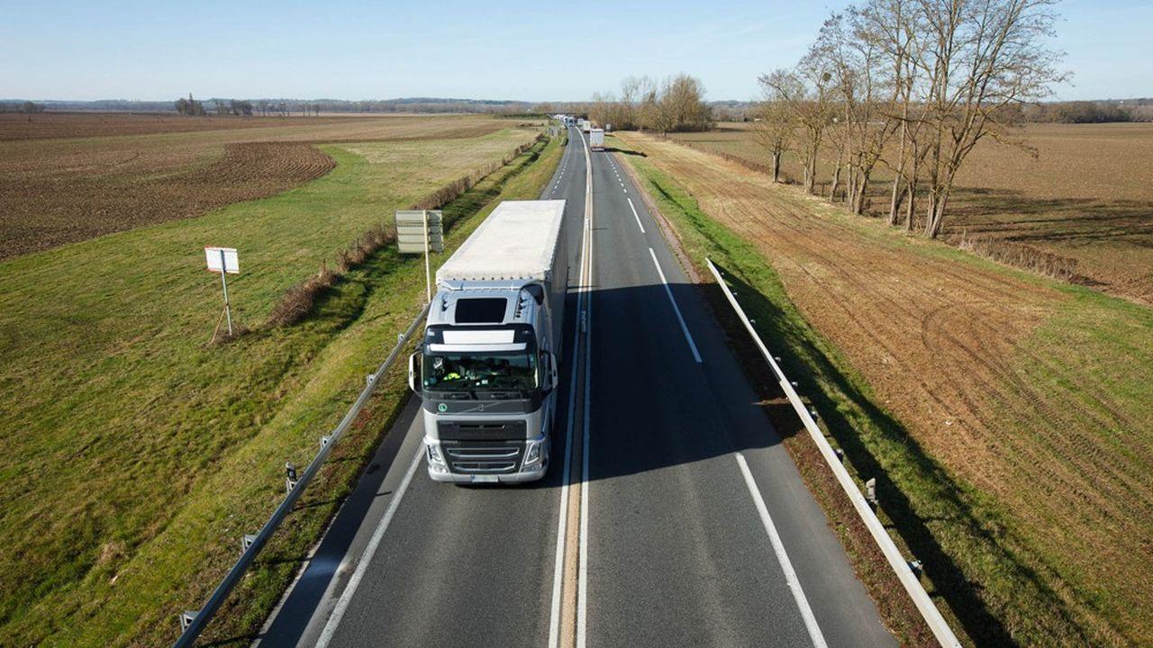 Les salariés du transport routier espèrent conserver la possibilité d'un départ anticipé cinq ans avant l'âge légal de la retraite.