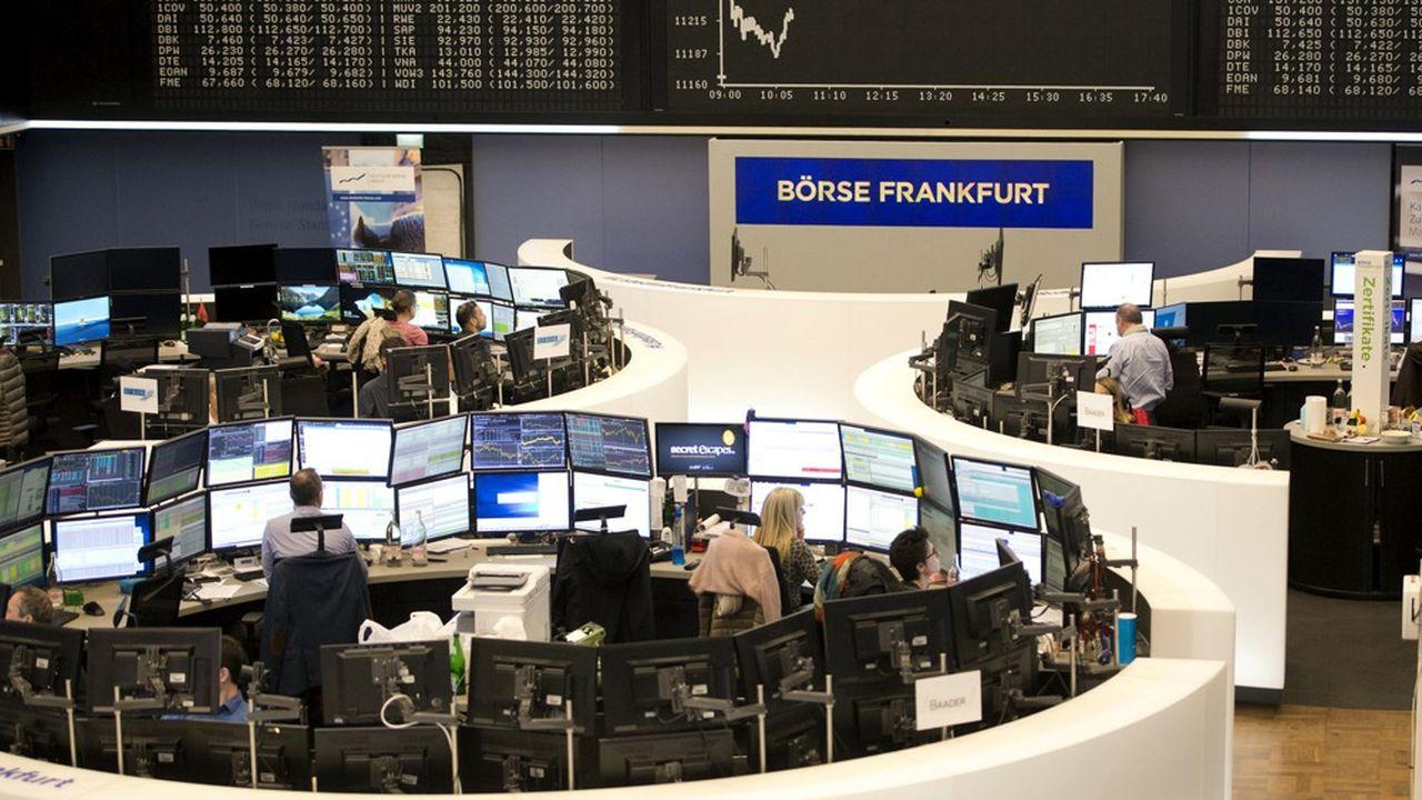 En Bourse, l'indice sectoriel Euro Stoxx Banks affiche un gain de 14%, inférieur à la performance globale du marché dans la zone euro (+23%).