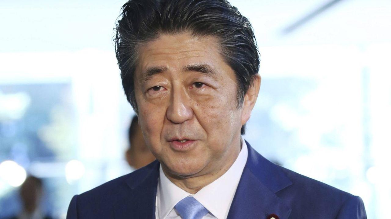Le premier ministre japonais, Shinzo Abe, a battu le record historique de durée d'un chef de gouvernement nippon.