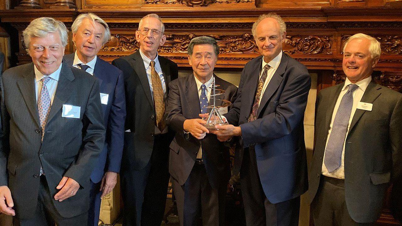 L'entreprise fondée en 1849, DC Thomson a reçu le prix Leonard de Vinci 2019 organisé parle château du Clos Lucé et les Hénokiens, associations d'entreprises bicentenaires.