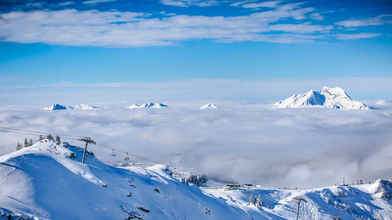 Le domaine franco-suisse des Portes du Soleil est l'un des plus vastes de la planète.