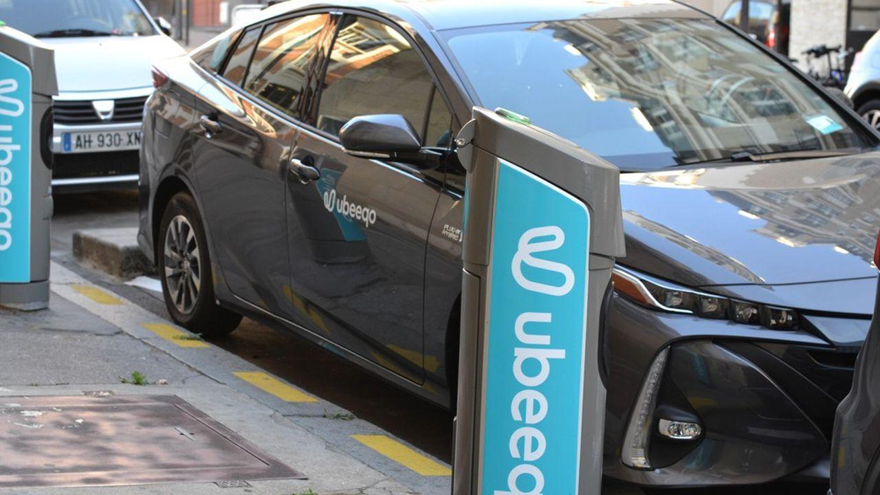 La jeune société propose désormais un parc de 1.100 véhicules en libre-service dans la capitale, dont 850 sur des places réservées en surface, et quelque 200 dans des gares et parkings souterrains.