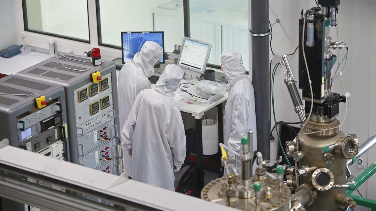 Inauguration du nouveau laboratoire de recherche en Sciences des matériaux de l'Institut Jean Lamour de Nancy par la ministre de l'Enseignement supérieur et de la recherche, le 5avril 2019