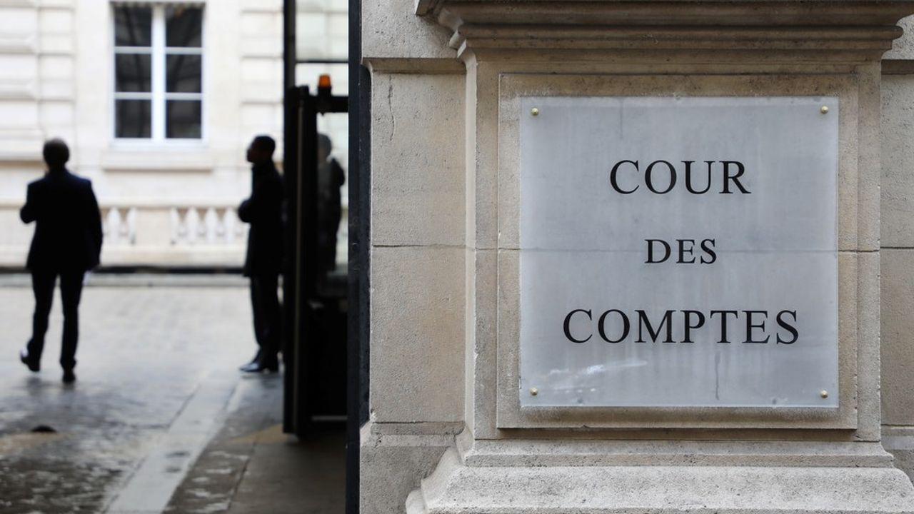 La procédure d'attribution de l'allocation adulte handicapé (AAH), dont le coût a explosé de 70% en dix ans, manque de 'critères objectifs', est trop disparate d'un département à l'autre, et ne permet pas suffisamment de détecter d'éventuelles fraudes, pointe un rapport de la Cour des comptes.
