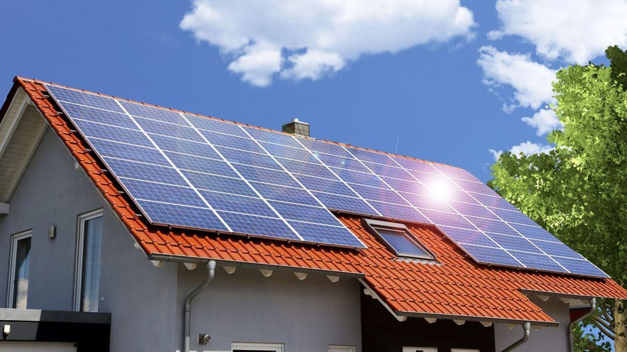 L'autoconsommation collective consiste notamment à installer des panneaux solaires sur le toit d'un immeuble et à partager l'électricité produite avec ses voisins.