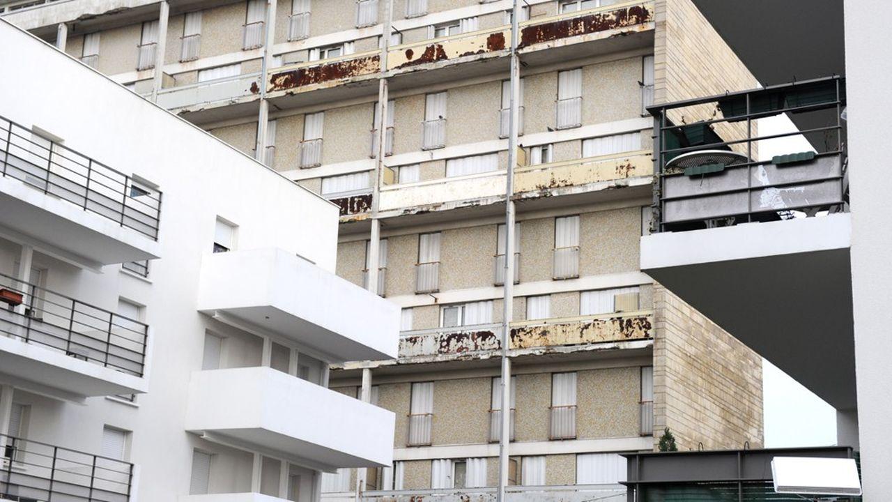 Montreuil est engagé dans un vaste programme de réhabilitation de ses quartiers anciens et dégradés.