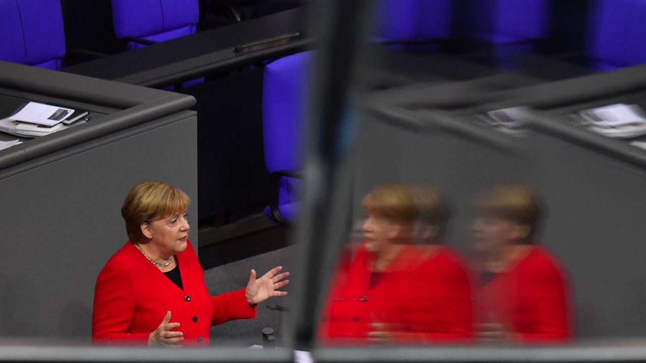 Lors de son intervention mercredi devant le Bundestag, Angela Merkel a battu en brèche l'image d'une chancelière en fin de règne passée dans l'ombre d'Emmanuel Macron, nouvelle figure de proue de l'Europe.
