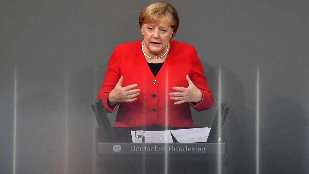 «L'un des plus grands dangers que je vois […] est que chacun en Europe possède sa propre politique sur la Chine, et qu'au bout du compte, nous envoyons des signaux complètement différents», a précisé la chancelière allemande devant le Bundestag mercredi.
