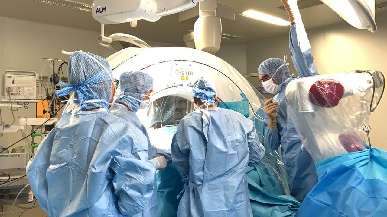 Le CHU d'Amiens a réussi la mise en place, le 2octobre dernier, d'un implant cochléaire sur un patient souffrant de surdité profonde.