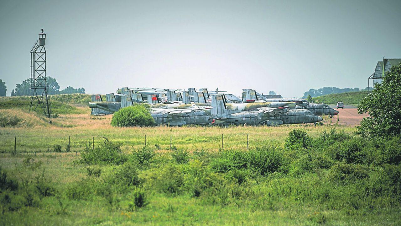 Châteaudun (Eure-et-Loir), qui verra la fermeture de sa base aérienne en 2021, avec 350 emplois supprimés, sera la dernière commune à signer un contrat de reconversion avec l'Etat d'ici fin décembre.