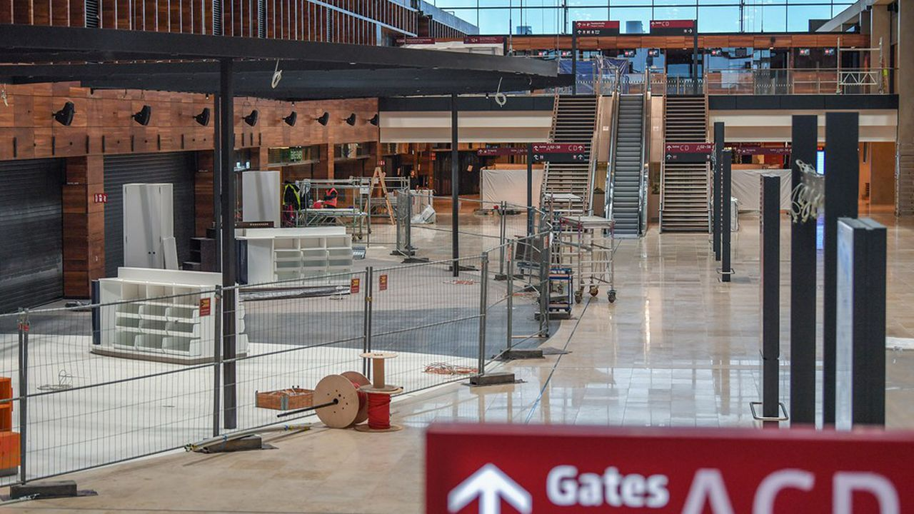 Situé au sud de Berlin, sur le site de l'actuel aéroport de Schönefeldt, le nouvel aéroport de Berlin aurait dû ouvrir en 2011.
