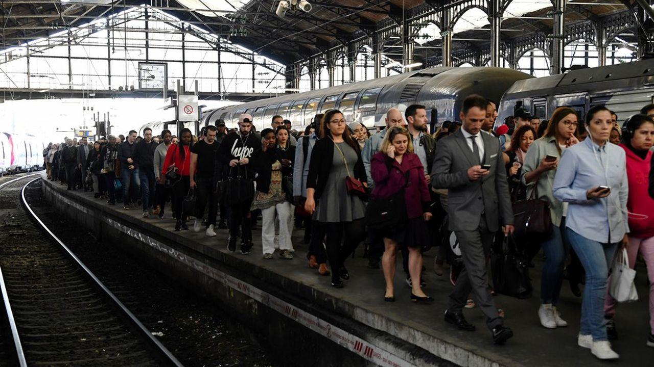 Seulement 10% des trains seront programmés ce jeudi au niveau national, un niveau que la SNCF n'avait pas connu depuis le long conflit de décembre1995.