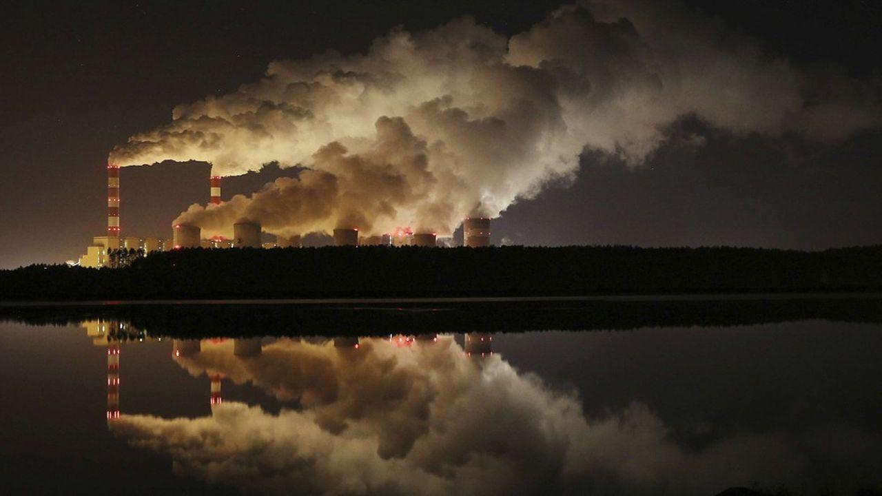 La baisse de la consommation de charbon en Europe, estimée à environ 10% en 2019 par le Global Carbon Project, joue sur ses émissions de CO2 qui devraient diminuer de 1,7% à l'issue de cette même année.
