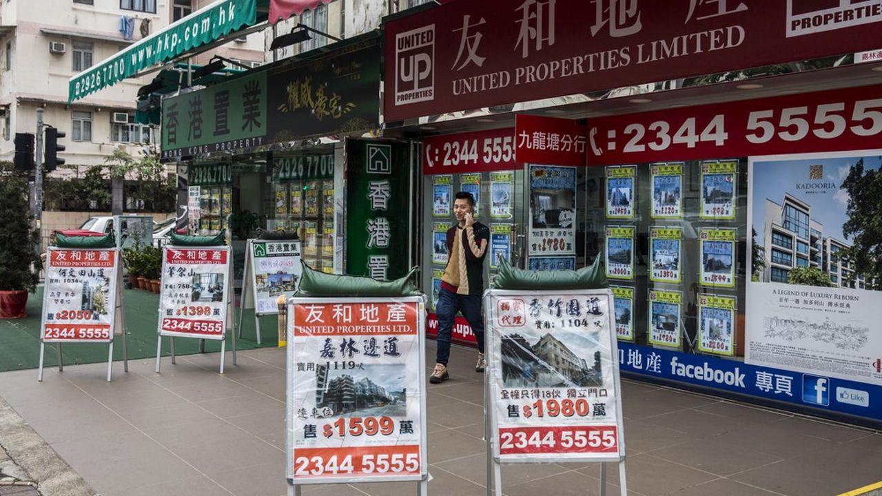Pour éviter la spéculation par certains promoteurs immobiliers, Hong Kong va taxer, à hauteur de 5% de leur valeur, les logements qui seront restés vides six mois après leur livraison