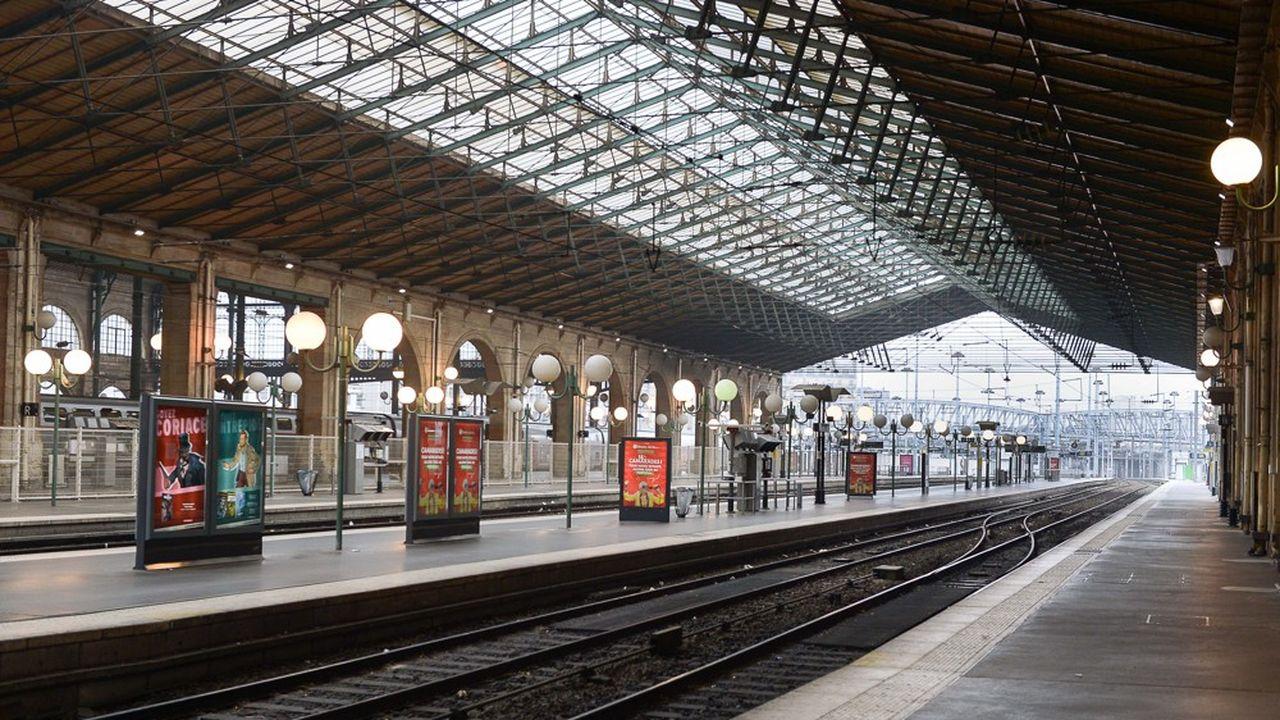 Ce jeudi, des quais totalement déserts à la Gare du Nordà Paris.