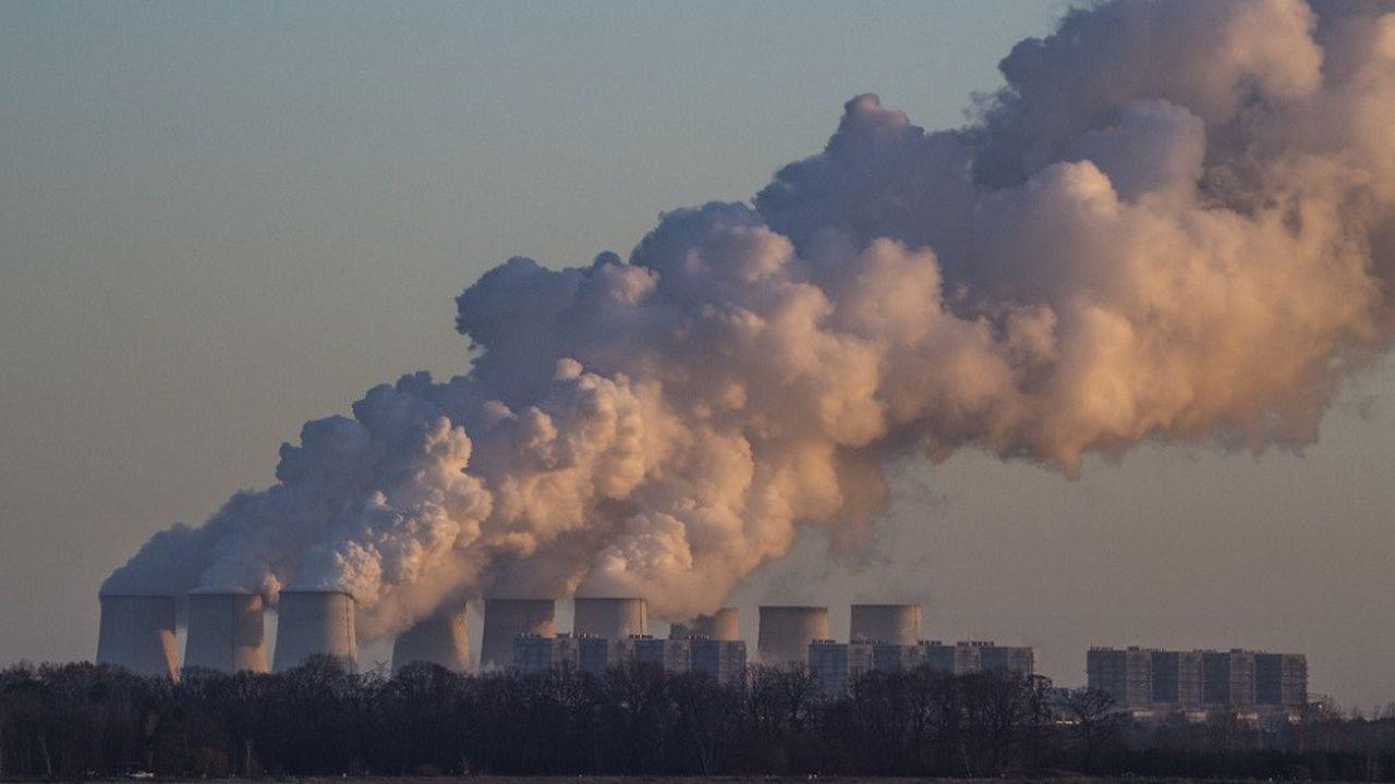 La finance a fourni 745 milliards de dollars en trois ans pour des projets de centrales à charbon