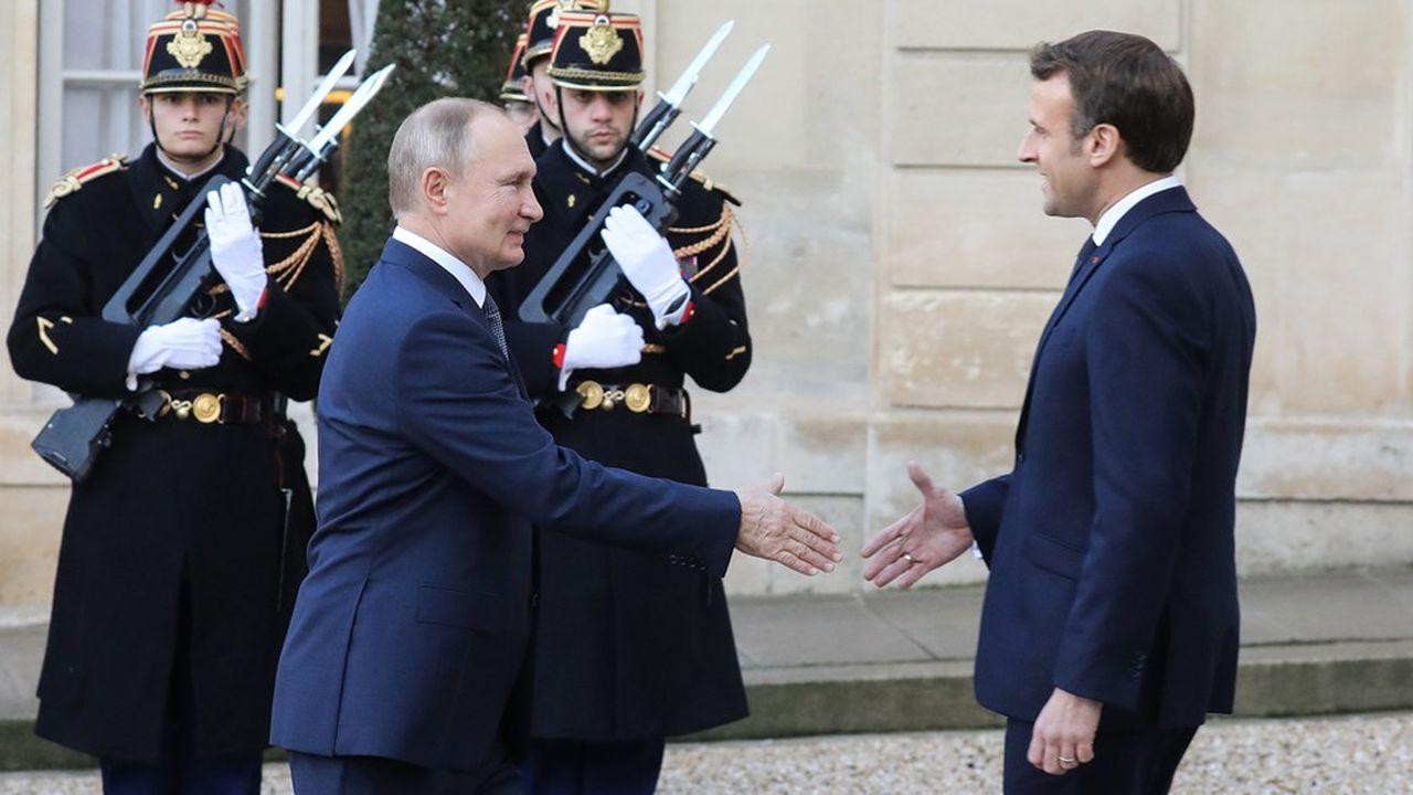 Emmanuel Macron accueille le président russe Vladimir Poutine à l'Elysée pour le sommet sur l'Ukraine.
