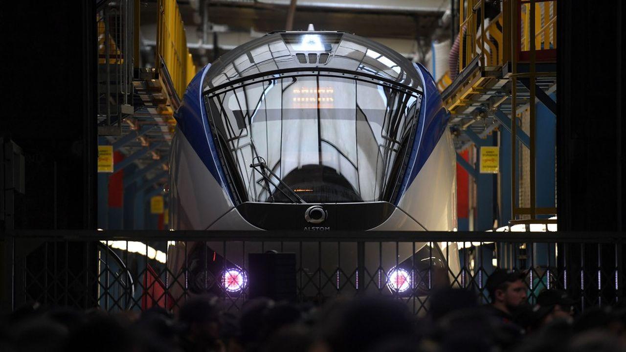 Le refus de la Commission européenne d'avaliser la fusion entre le français Alstom et l'allemand Siemens dans le ferroviaire a provoqué la colère des dirigeants des deux pays.