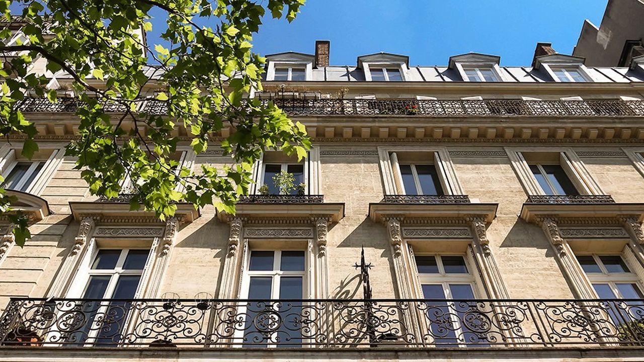 Les ventes comme les prix de l'immobilier ancien poursuivent leur ascension partout en France, selon le bilan annuel des notaires.