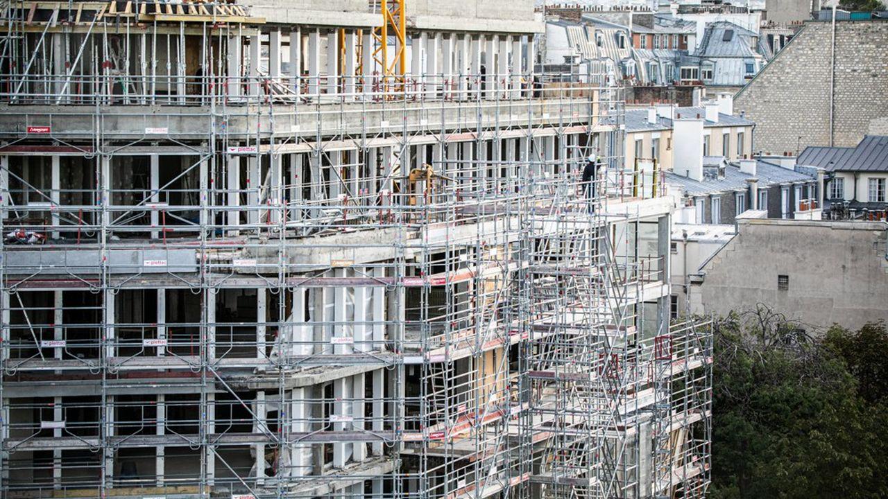 En clair, acheter moins cher des immeubles dont les travaux pourront faire revenir un locataire, pour un loyer de marché, voire supérieur et faire monter aussi la valeur vénale