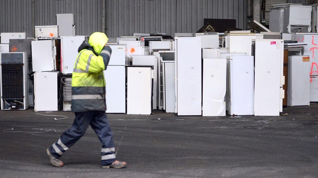 Seules 40% des pannes des produits électriques et électroniques donnent lieu à réparation en France, selon une étude de l'Ademe.