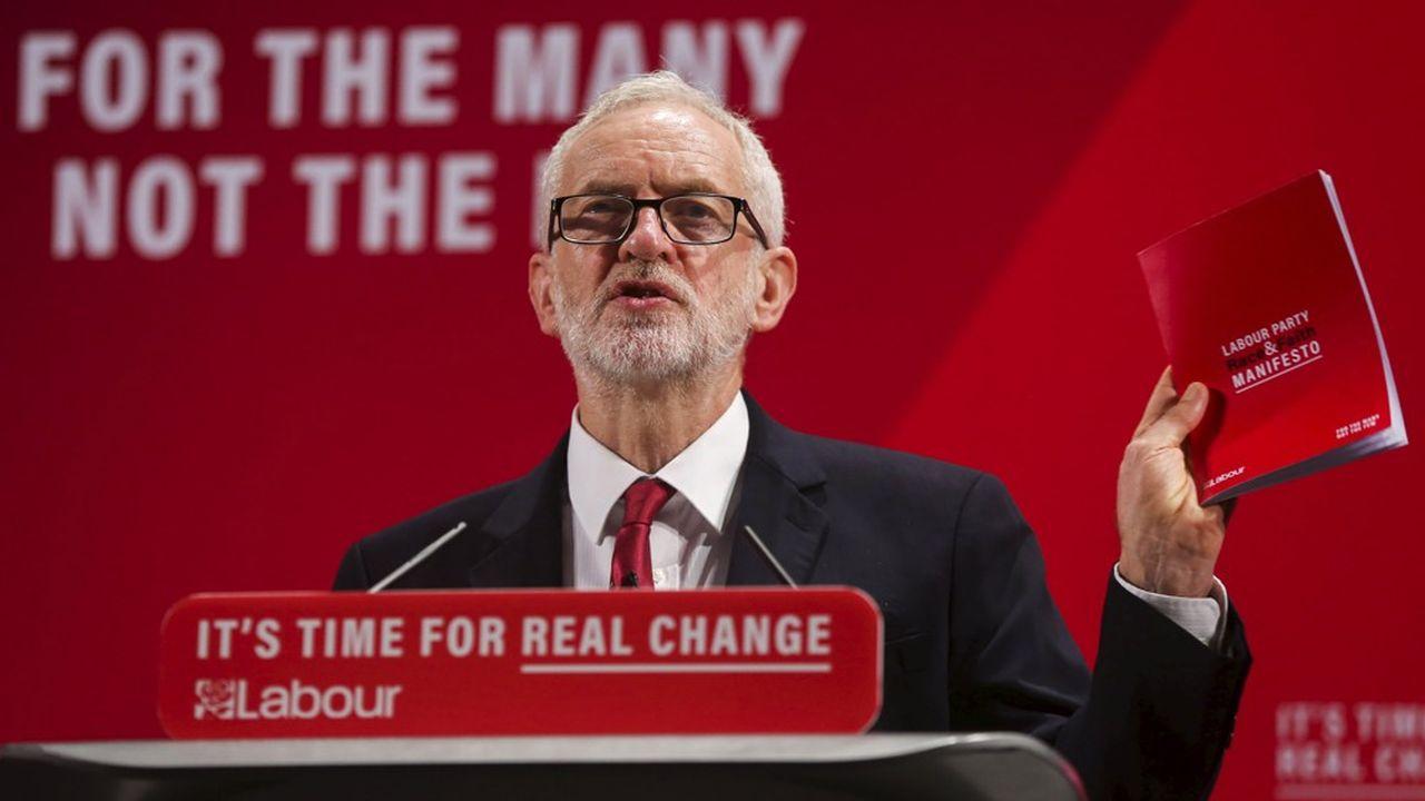 Corbyn s'est imposé comme le champion du «Old Labour», loin du centrisme très pro-business des années Blair, que les Britanniques ont parfois eu du mal à distinguer de la ligne économique des conservateurs.