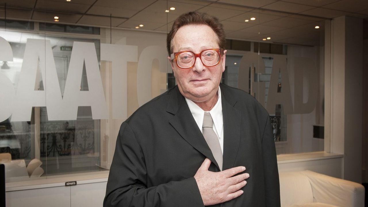 Maurice Saatchi, directeur executif de M & C Saatchi, a dû démissionner du board du groupe de communication, à la suite de la découverte d'erreurs comptables.