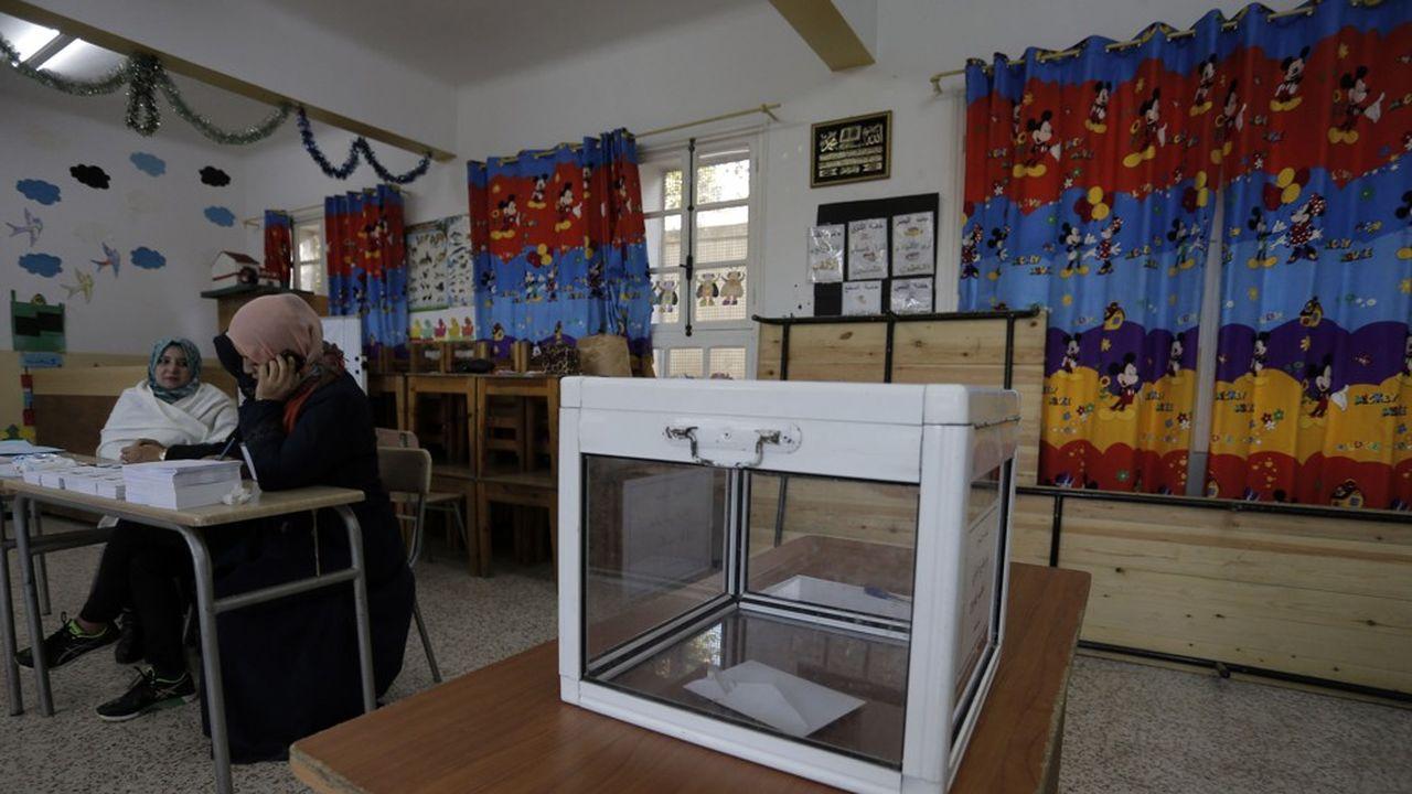 Les bureaux de vote à Alger étaient souvent vides jeudi.