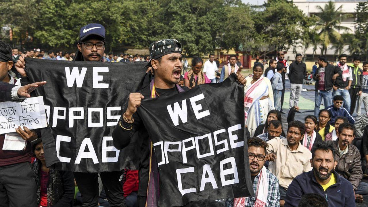 Les violentes manifestations qui ont démarré dans l'Assam, nord-est, se sont étendues vendredi à d'autres états de l'Inde.