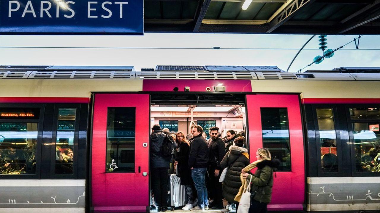 La situation s'annonce toujours très perturbée à la RATP, en dépit d'une très légère amélioration, avec huit lignes de métro totalement interrompues