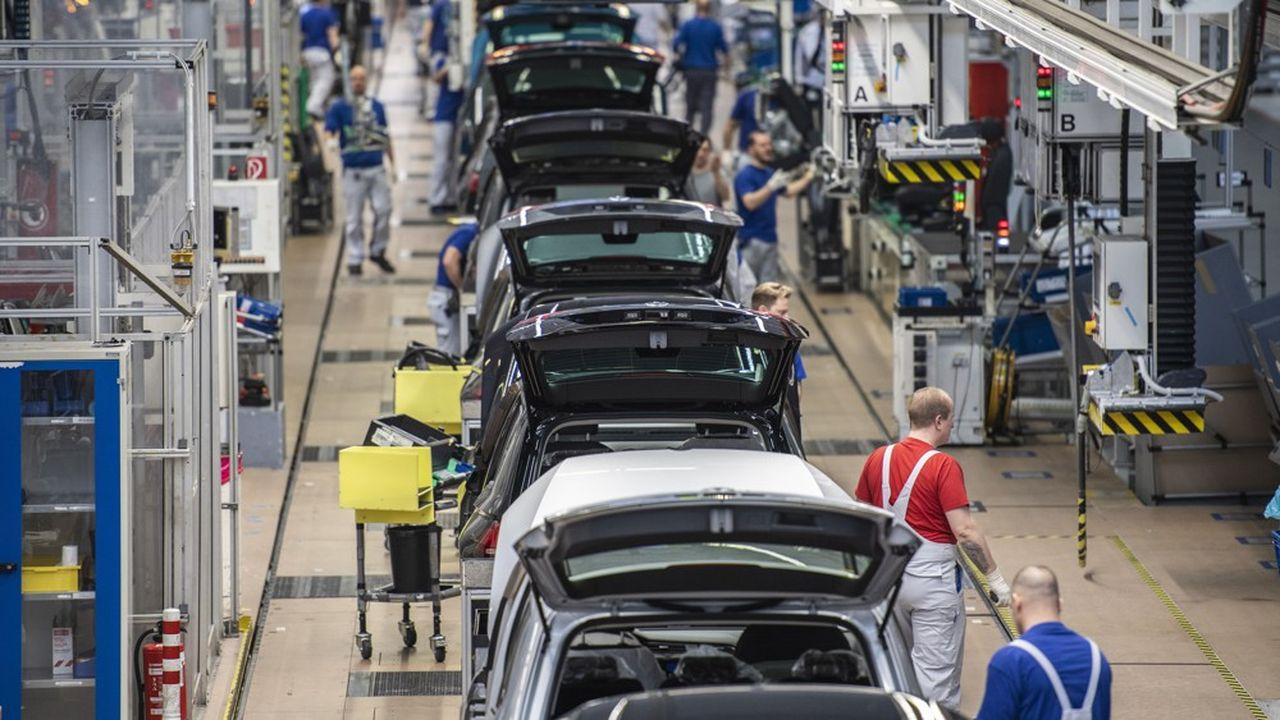 Signe des difficultés pour le secteur, les principaux constructeurs et équipementiers ont annoncé ces derniers mois quelque 30.000 suppressions d'emplois dans les prochaines années