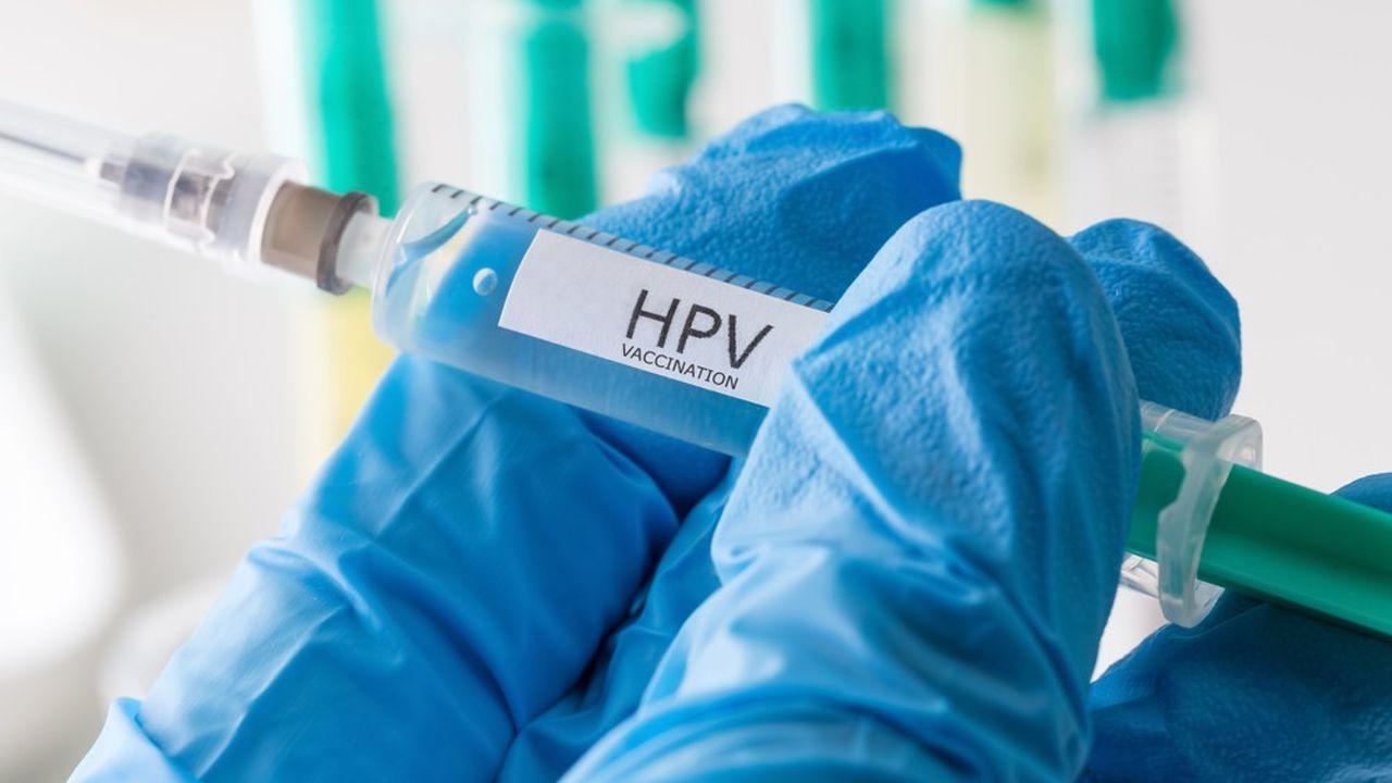 La vaccination contre les HPV était jusqu'à présent recommandée chez les jeunes filles.